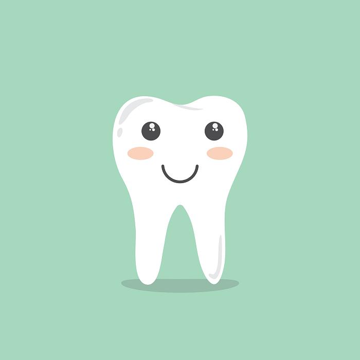 zubní-implantáty-různých velikostí-důvod-k-úsměvu