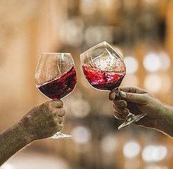 Červené darcekove vino