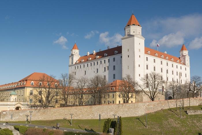 história-Slovenska-a-našich-hradov-slovander
